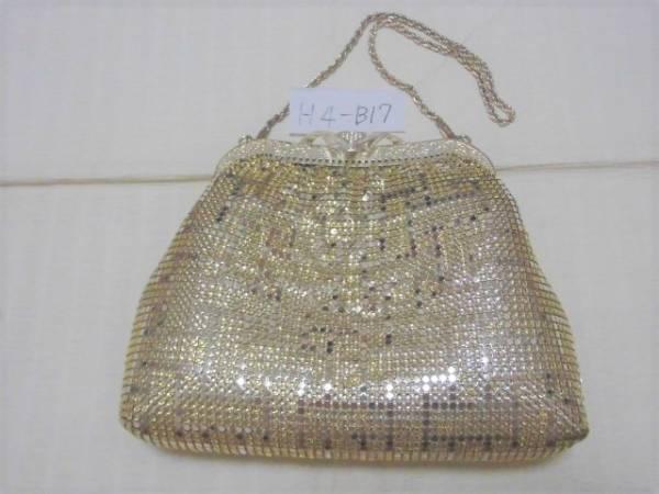 格子柄のメタルメッシュのバッグ