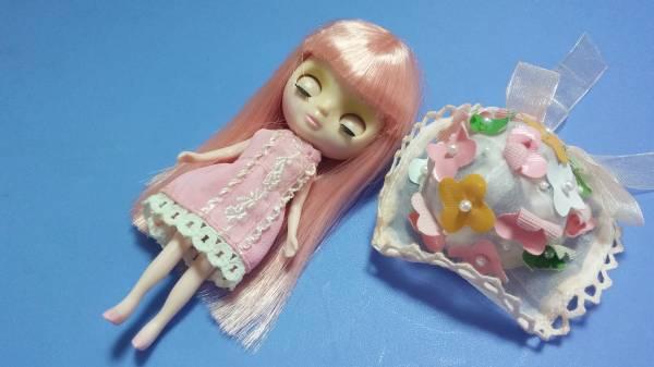 プチブライス★ピンクの髪とお花のお帽子