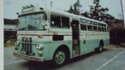林田産業交通のバスの写真、全3枚、撮影キャブオーバー車輌登録番号鹿2あ63-91,方向幕は(霧島)林田温泉行、、国鉄霧島西口駅前にて撮影