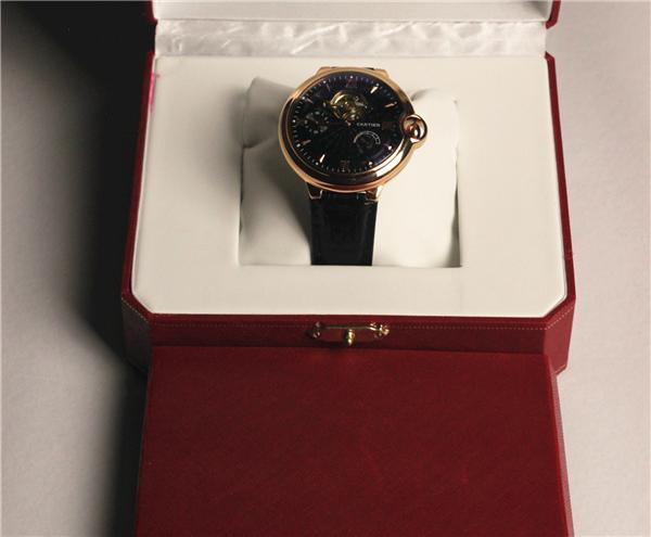 カルティエ Cartierバロンブルー ドゥ メンズ時計