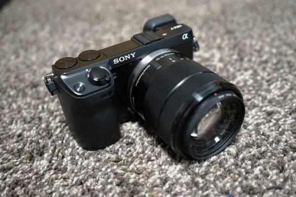 送料込 ソニー α NEX-7K ズームレンズキット SONY デジタル一眼カメラ ミラーレス 純正ケース レンズ保護プロテクタKenko PRO1D おまけ付