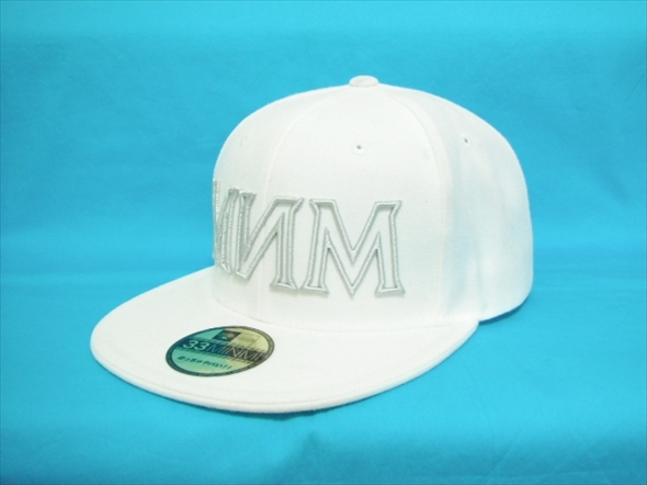 【J135】MINMI ミンミ ベースボールキャップ スナップバック 白 ホワイト オフィシャルグッズ MNM 帽子 ステッカー付き 夏フェス HATCO