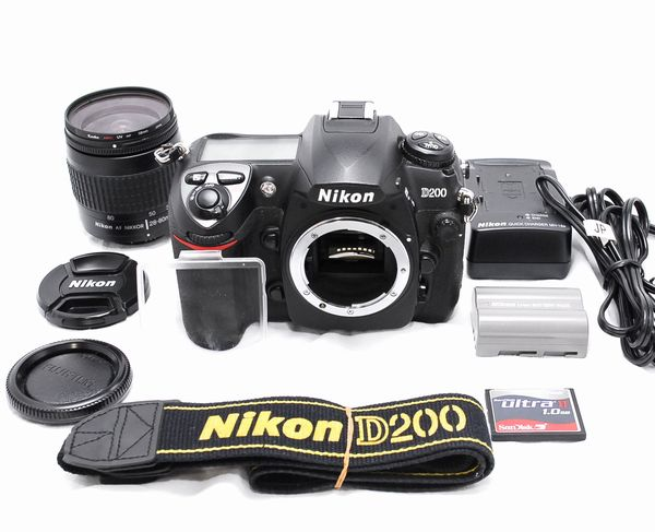 【極上美品・豪華セット】Nikon ニコン D200 AF NIKKOR 28-80mm