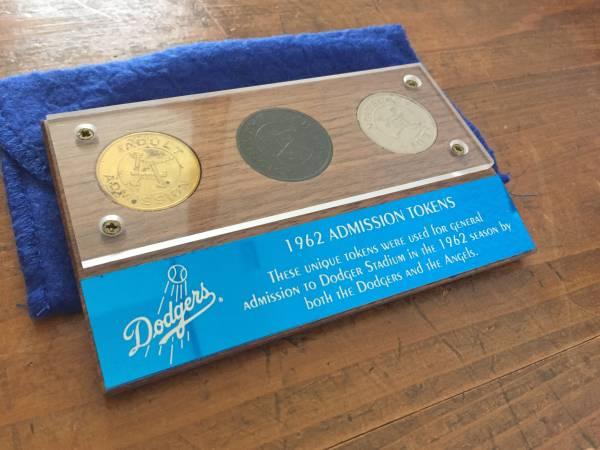 レア限定 ドジャース 1962年 ドジャースタジアム入場コイン スリーギフトコインセット TOKEN グッズの画像