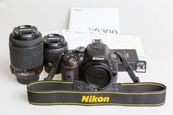 Nikon D5300 中古美品 18-55mm / 55-200mm レンズ2本付き / ニコンD5300 中古美品 / ダブルズーム