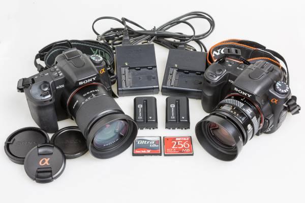 SONY α300 & α200 / 18-70mm 35-70mm レンズ2本 / メモリーカード2枚 / 中古品 / DSLR-A300 & DSLR-A200 / 2台まとめていかがでしょう!