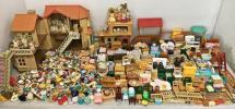 F1149 エポック社 シルバニアファミリー 人形 家具 お家 食器など 計10㎏以上 大量セット出品