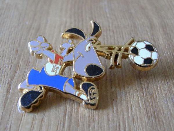 古い ピンバッジ : FIFA アメリカ ワールドカップ キャラB サッカー 記念 その他 動物 ピンズ U