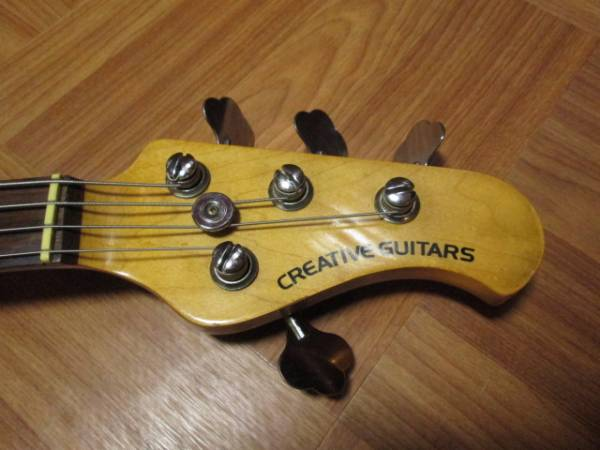 CREATIVE GUITARS ミュージックマン スティングレイ風