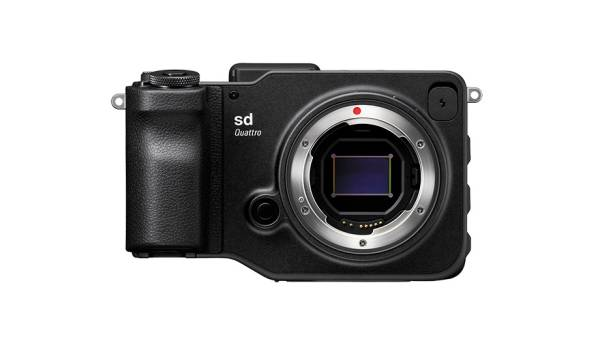 SIGMA sd Quattro h + SanDisk Extreme Pro 300MB/s 64GB + ハクバの液晶保護シート(貼済)