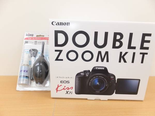 #21004-100 1度組んだだけ!Canon EOS Kiss X7i ダブルズームキット未使用同然送料最安でゆうパック100sizeクリーニングセット新品付