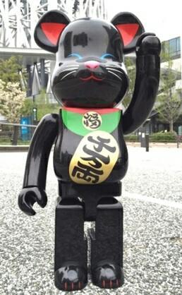ベアブリック【 東京スカイツリー ソラマチ 招き猫 黒 ラスト1点 】1000%_画像1
