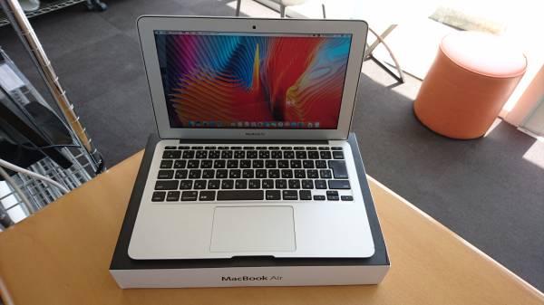 1スタ!! MacBookAir2012 i5 1,7Ghz メモリ4GB 箱付き!