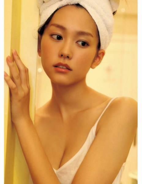 桐谷美玲L判写真18枚 プロマイド セクシー お楽しみ写真多数 新品