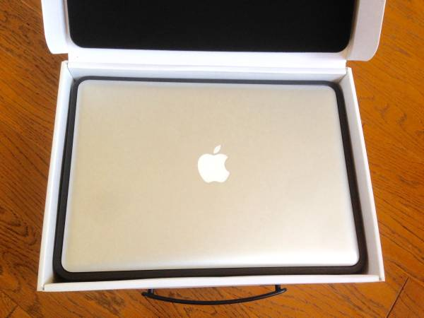 Macbook Pro 13inch 2.9GHz i7 メモリ8GB 1TB HDD Yosemite ロジックボード、キーボード交換済