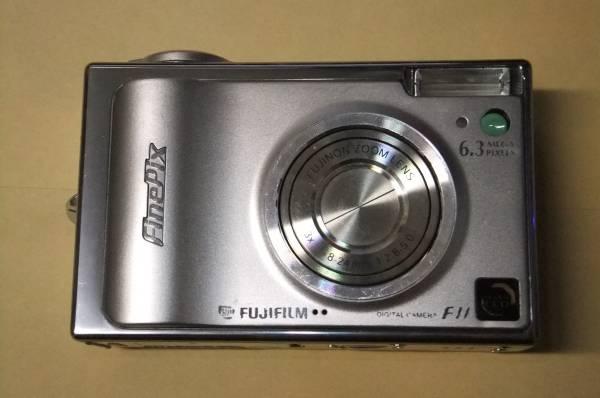 動作確認済!FinePix F11 630万画素 光学3倍 送料250円 ②