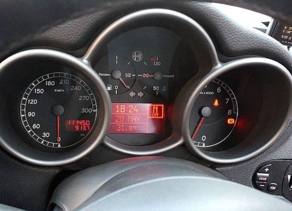 【 最終モデル / イモラレザー 】 2006y アルファロメオ 147 GTA タイベル交換済 V6 250ps 検R3/5_GTA専用 300kmメーター