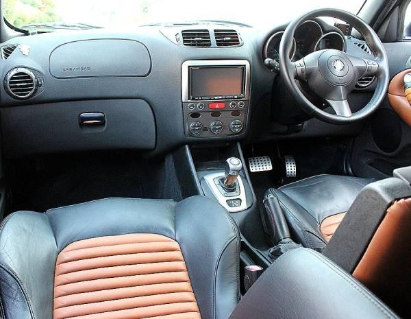 【 最終モデル / イモラレザー 】 2006y アルファロメオ 147 GTA タイベル交換済 V6 250ps 検R3/5_内装の状態もコンディションは良好です