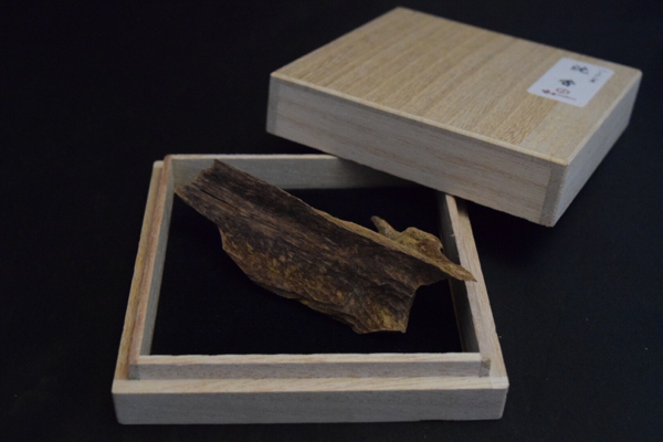 ベトナム産 高品質 天然 沈香 5g ★ 香木・伽羅・agarwood