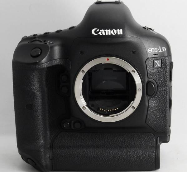 ●新品級●ショット数21000回以下● Canon キャノン EOS 1D X ボディ 綺麗な元箱フルセット!! 純正予備バッテリー CFカード16GBが付属