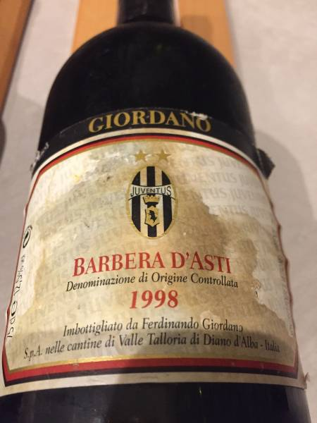 ACミラン100周年赤ワイン&ユベントスオリジナル赤ワイン グッズの画像