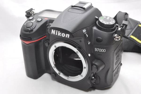 【超美品】 Nikon ニコン D7000 ★ショット数 1484回★