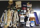 遺品整理 大量 宝石 装飾品 アクセサリー ネックレス イヤリング 指輪等 刻印多数 まとめて セット4