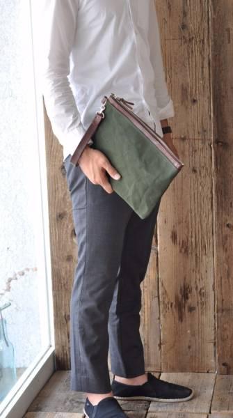 ■ハンドメイドの6号帆布とヌメ革のクラッチバッグ(カーキ:パラフィン加工)_画像3