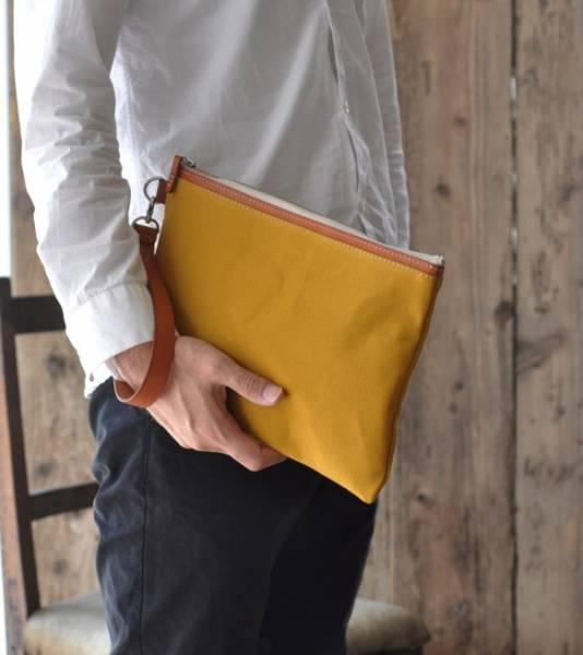 ■ハンドメイドの倉敷帆布とヌメ革のクラッチバッグ(マスタード)_画像3