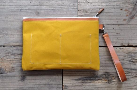 ■ハンドメイドの倉敷帆布とヌメ革のクラッチバッグ(マスタード)_画像2