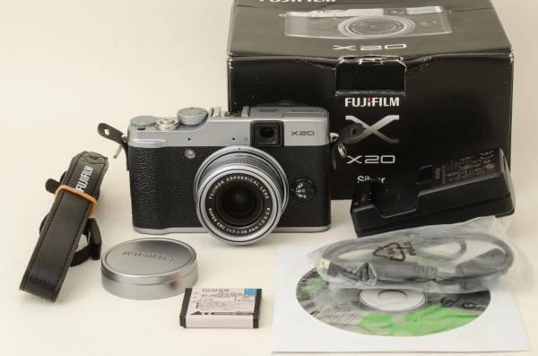 Fujifilm 富士フィルム X20 シルバー 元箱 (03-I03)