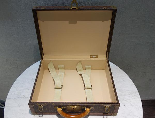 HANDLER! モノグラム トランク レアピース 美古物 逸品 お宝 一万売りィ~_中身も綺麗です。