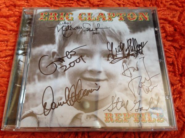 Eric Clapton直筆サイン入りCD『REPTILE』Steve Gadd, Nathan East, Greg Phillinganes, David Sancious, Andy Fairweather Low