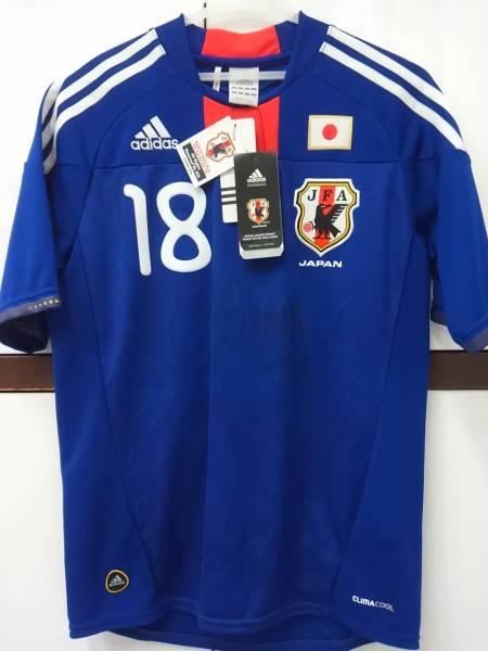 【新品タグ付き未使用】日本代表 本田圭佑直筆サイン入りユニフォーム グッズの画像