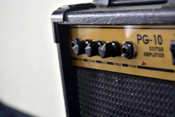 ■ PhotoGenic フォトジェニック ギターアンプ PG-10