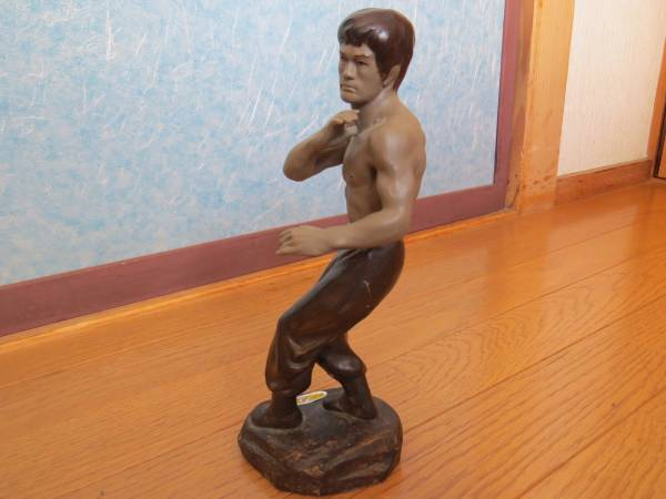 貴重★ブルースリー Bruce Lee 陶器 フィギュア 26cm 迫力満点 インテリア ヌンチャク 死亡遊戯 燃えよ ドラゴン 危機一髪 怒りの鉄拳 レア_★
