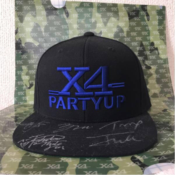 X4 party up サイン入りキャップ