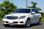 人気のホワイト コンパクトワゴン メルセデスベンツ C200ワゴンコンプレッサー 是非現車確認如何ですか?