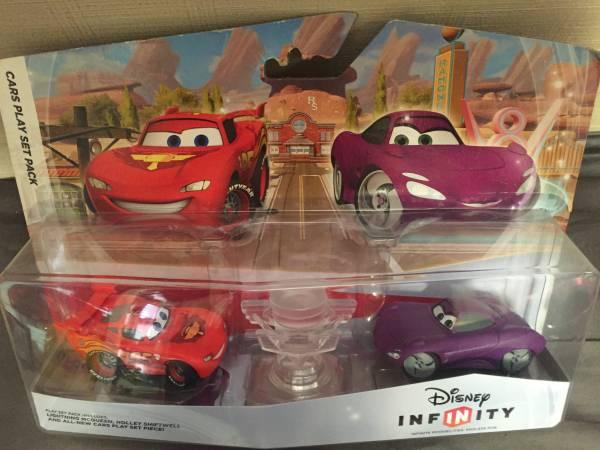 ディズニー ピクサー カーズ cars インフィニティ プレイセット ライトニング マックイーン ホリー シフトウェル ディズニーグッズの画像