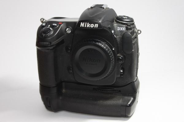 ニコン NIKON D300 バッテリーグリップ付