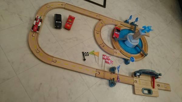 木製 カーズ ウッドコレクション 木製レール ディズニー カーズ 車 おもちゃ 木製 トーマス にも使えます ディズニーグッズの画像