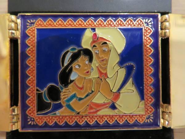 ディズニー ピン アラジン ジャスミン&アラジン 窓開閉 ゴールド ディズニーグッズの画像