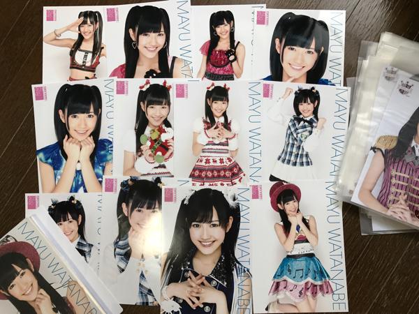 AKB48 CAFE & SHOP 渡辺麻友 A4 生写真ポスター フルコンプ 原宿第1弾~最後 & 秋葉原第1弾~104弾(限定Ver.含む) 139枚 ライブ・総選挙グッズの画像