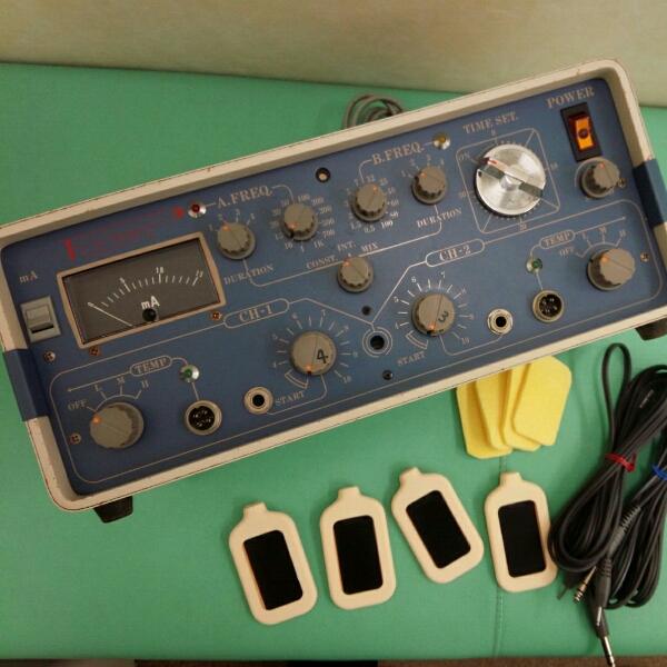 業務用 低周波治療器 ユニオン医科工業 パルオン M-522 (新品 パッド、コード付き