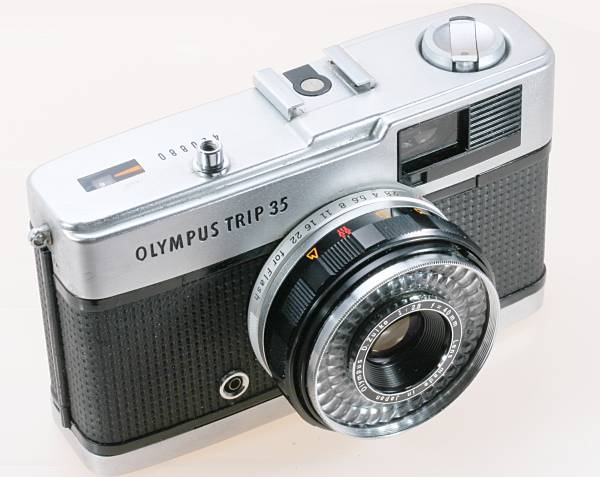 オリンパス トリップ OLYMPUS TRIP35 初代 D.Zuiko 40mm F2.8 コンパクト ハーフ カメラ 難有 c