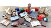 ミニチュア 色々な本パーツ 古書 図鑑 魔道書 メニュー 文庫サイズ他 古地図 虫眼鏡 方位磁石など