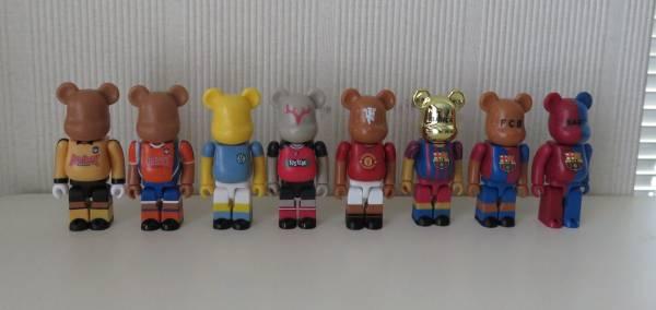 メディコムトイ BE@RBRICK ベアブリック 8体セット 100% サッカー FCバルセロナ マンチェスターユナイテッド グッズの画像