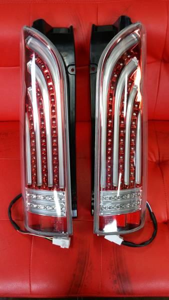 『訳アリ』 ハイエース 200系 LED テールランプ クリア/レッド
