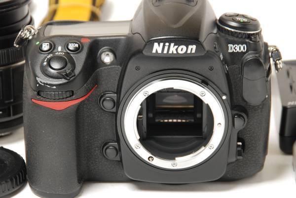 ★美品★ NIKON ニコン D300 完全作動品 28-200mm ズームつき 附属品多