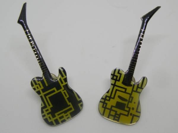 布袋寅泰 ギター型 ピンバッジ 2個セット ソロ最初期 BOOWY COMPLEX ライブグッズの画像